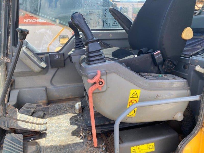 escavatore idraulico volvo ec  blc