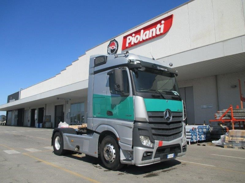 trattore stradale mercedes actros  cv  euro