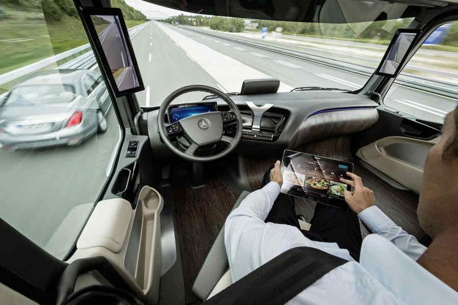 mercedes benz future truck  cabina